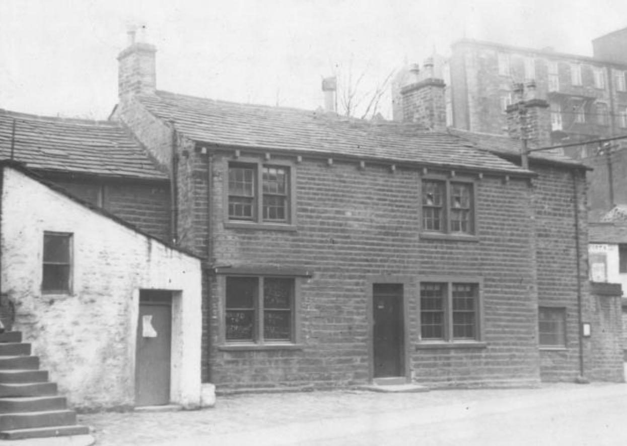 Image of the former Fleece Pub as it was in the 1920's